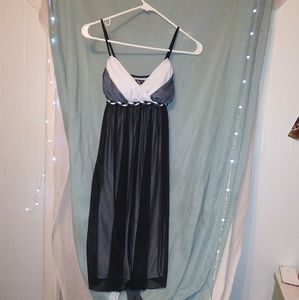 BLACK AND WHITE BEAUTIFUL FORMAL DRESS